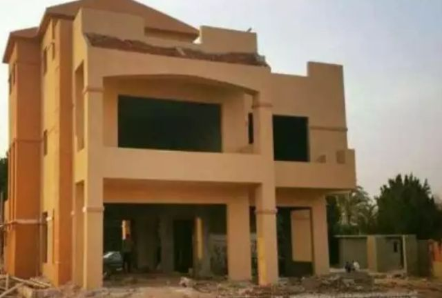 Semi-Finished Villa for Sale in Green Hills Compound