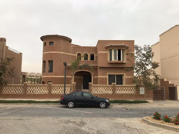 Semi-Finished Villa for Sale in Golf Views Compound