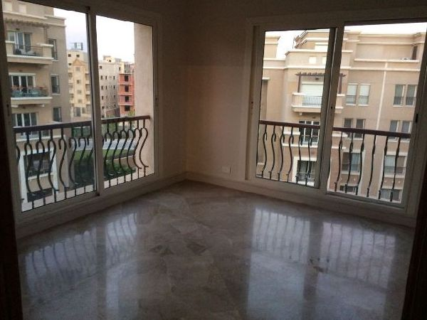 Semi-Furnished Penthouse for Rent in Katameya Plaza Compound