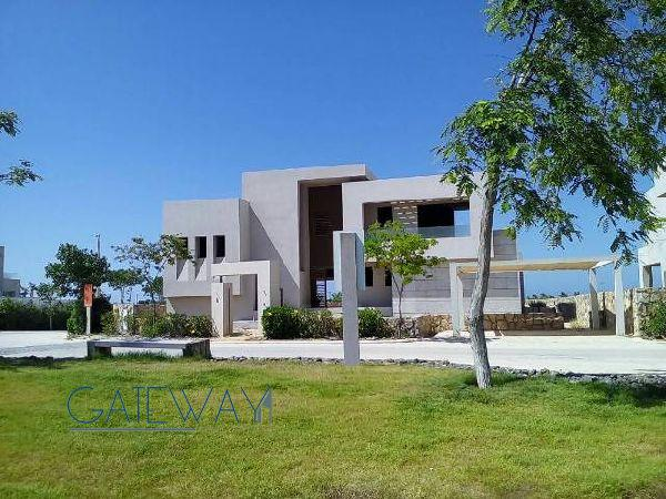 Sea Front Villa for Sale in Haicenda Bay Resort - North Coast