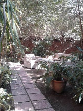 Semi-Furnished Ground Floor for Rent in Maadi Sarayat