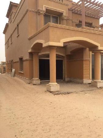 Semi-Finished Villa for Sale in Royal Meadous Compound